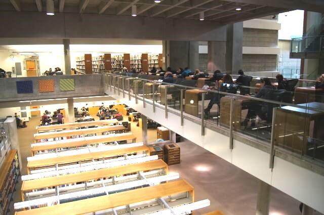 サンタモニカカレッジ図書館