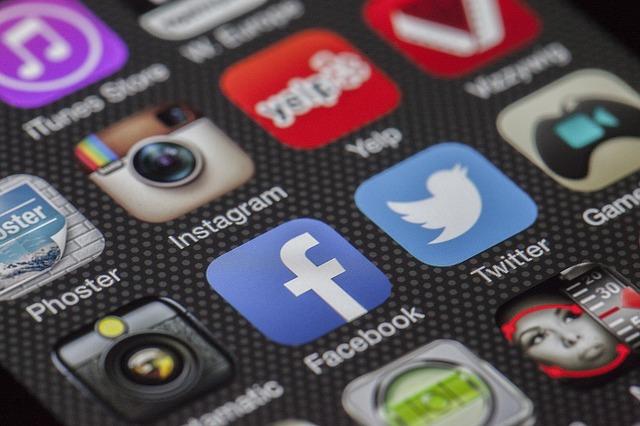 【Facebook, Twitter, Instagram】留学中は絶対にSNSを利用すべき理由