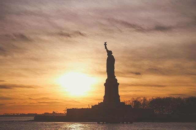 ESTAでアメリカに行く場合、航空券は片道チケットで行けるか?